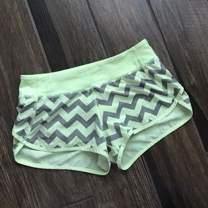 Ivivva Speed Shorts Yellow Gray Chevron Sz 14